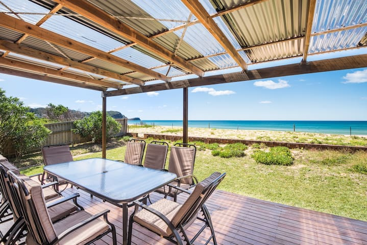 SAND IN THE TOES - Fabulous Location-Pet Friendly - Avoca Beach - Huis