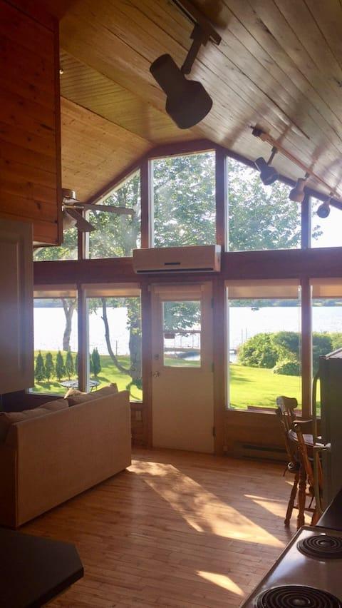 美麗的米拉米奇河上的小屋