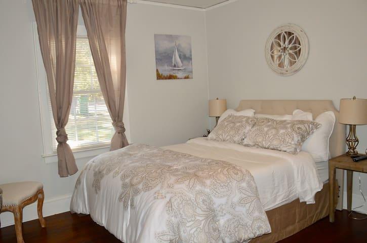 Bed 1 - queen bedroom, large closet, dresser and TV