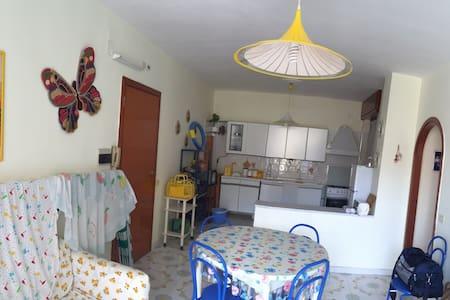 Central residence con piscine - Baia Domizia