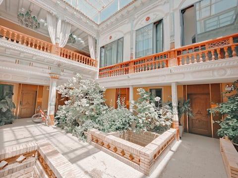 【喀什假日】喀什老城,古典庭院里的大床房。