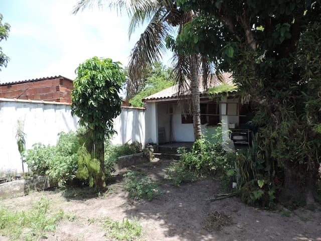 Casa em Iguape com quintal amplo - Iguape - House