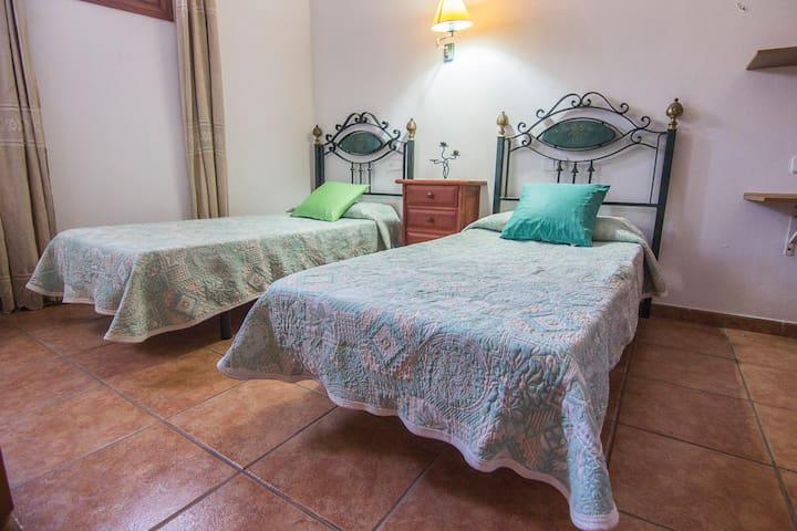 dormitorio 2/ bedroom 2