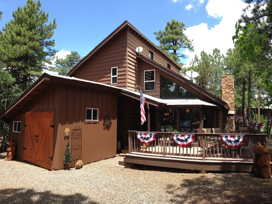 Beautifully Decorated Cabin for 4th of July!