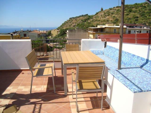 Casa Mare Monte - mit großer Dachterasse