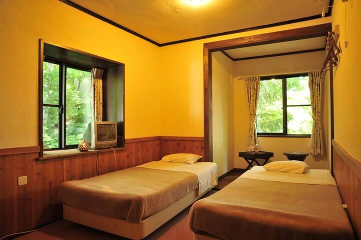 Sawa rouge Twin Room with Shared Bathroom