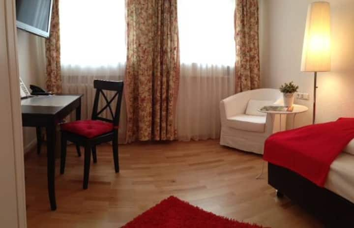 Flair Hotel Vier Jahreszeiten, (Bad Urach), Einzelzimmer Wohlfühl