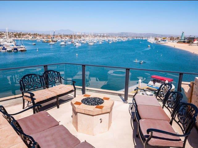 360-degree panoramic ocean mansion