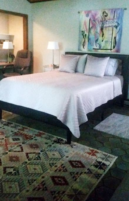 Detail of the new wonderful queen size bed and comfortable mattress.