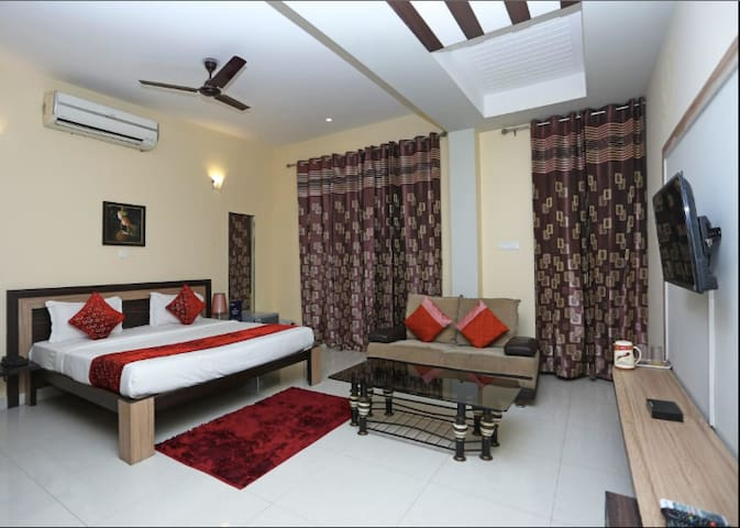 Affordable and Comfy room in IMT Manesar Sector 1