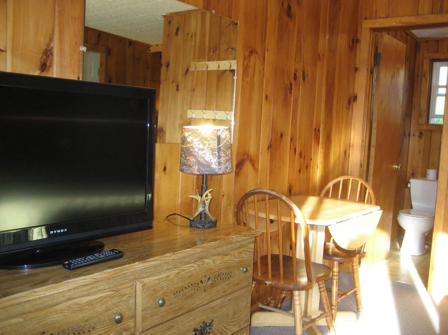 In-Room Sitting Area, Flat Panel Color cable TV, Free Wi-Fi