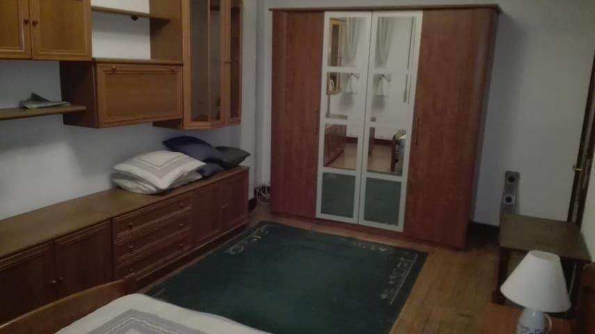 "Habitación a 1 min hospital y metro cruces. TV42"" - Cruces Baracaldo - Haus"