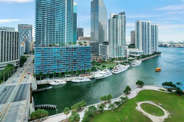 AFFORDABLE AND LUX APARTMENT GREAT WATER VIEW. - Miami - Apartament