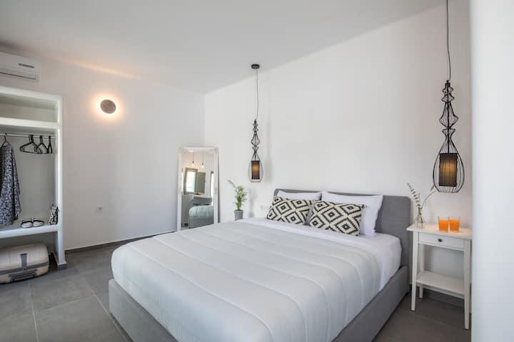 Elia mini suite B
