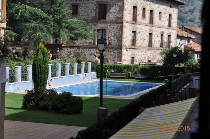 Duplex con piscina en el centro de Ezcaray