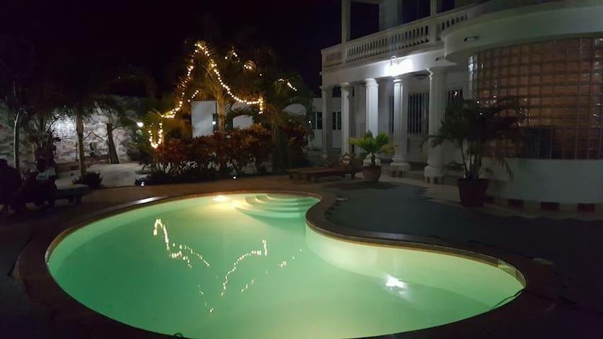 Luxury Villa - Serrekunda - House