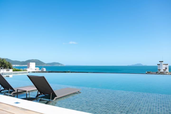 Apartamento NOVO com vista PANORAMICA da praia.