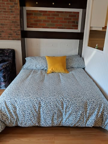 Lit Double Double bed