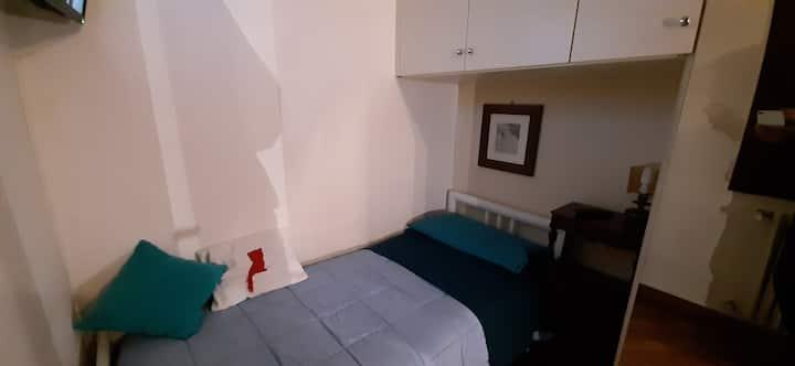 """Singola """"C"""" cucinetta tv wifi fibra, bagno privato"""