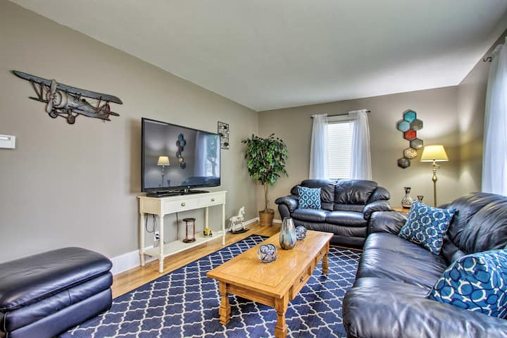 Rochester Home w/ Yard - 5 Min to Mayo Clinic