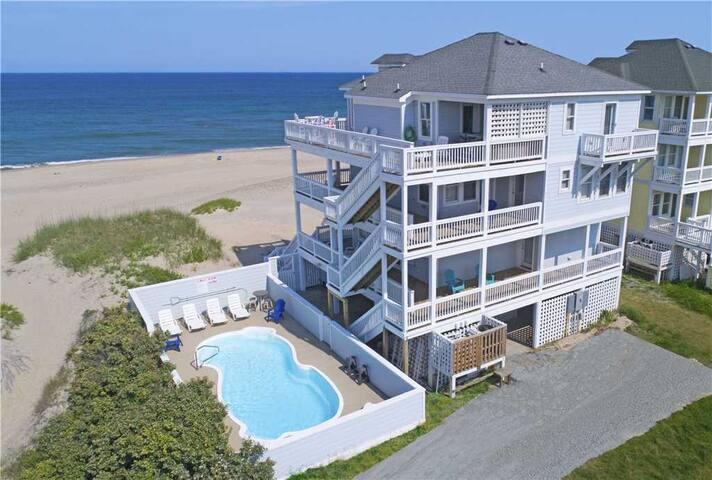 Oceanfront Jewel w/Elevator, Pool, Hot Tub, Game Rm, Dog-Friendly - 887