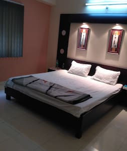 Luxurious 3 Bedroom Apartment next Indore station