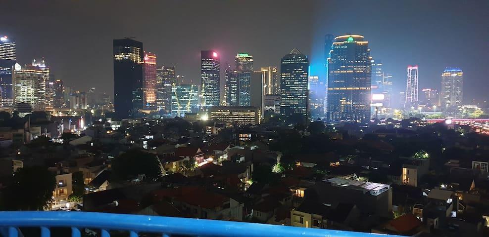 Spectacular Views, Cozy, Warm & Homey Apartment