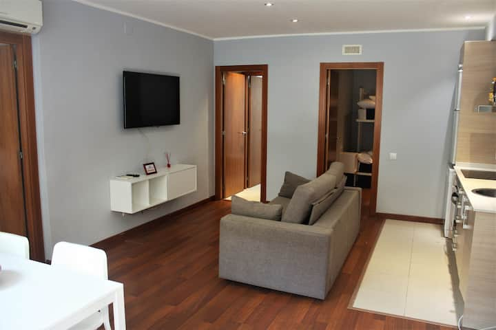 Camp Nou -Comfortable and well connected apartment