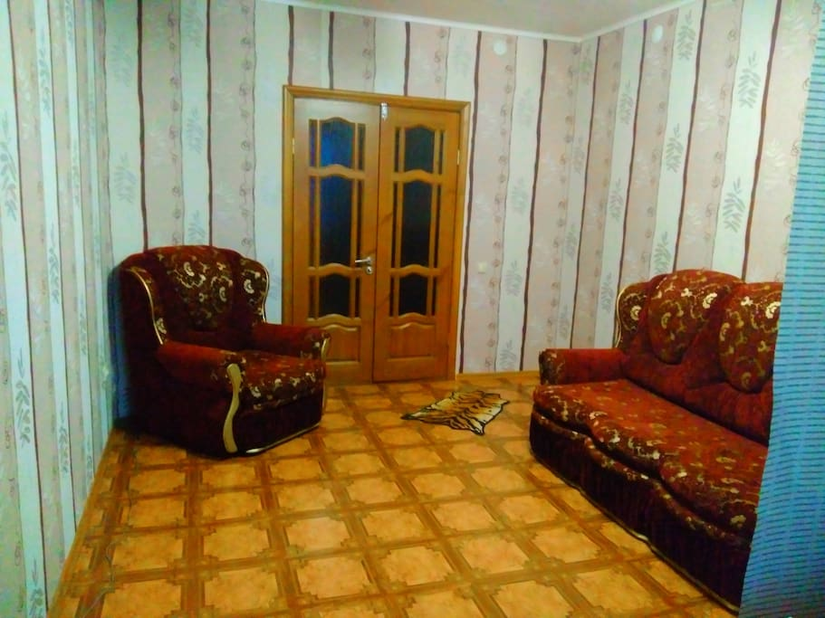 Комната -диван двух местный