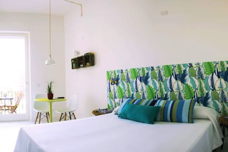 TigellioTre-M  Bed and Breakfast - Cagliari