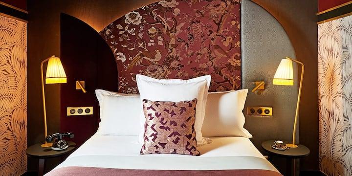 Room Uno in the heart of Paris