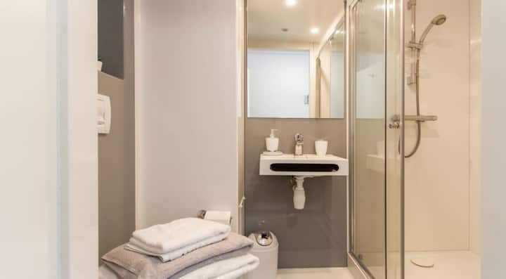 Ideal Large Premium Ensuite