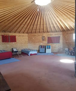 Navajo octagon earth home - Erdhaus