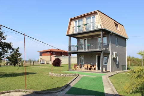 Дом на пляже Black sea House