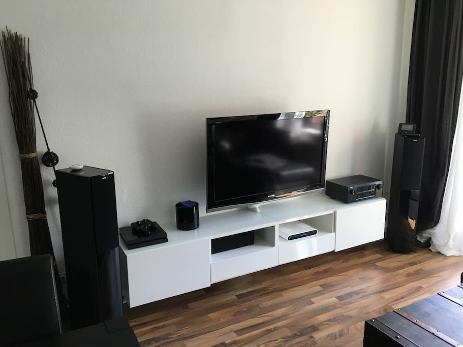 TV with Sourround Sound, Telekom Entertain and PS4