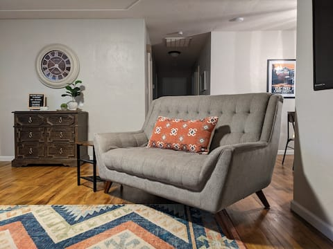 3Br 2Bath Central Point home 2 Queens, 2 Twins