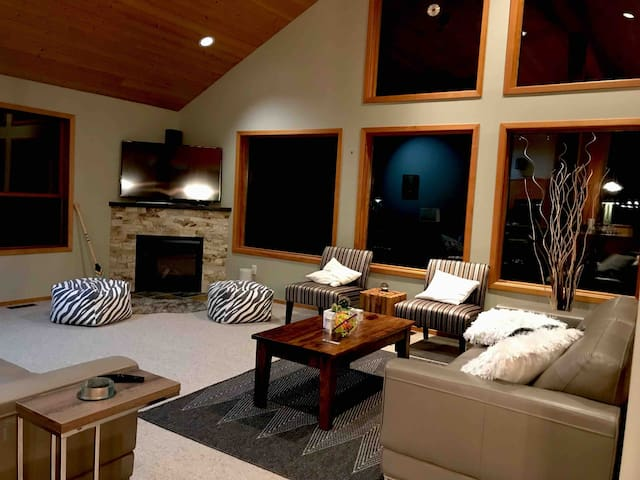 large cozy family home near Whistler Village