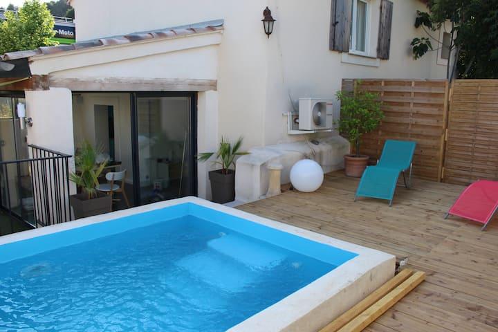 Mas de Nebbas - aix en provence - piscine - jardin