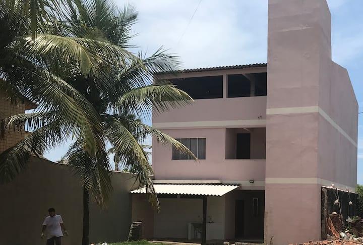 Casa de frente para a praia de Parati- Anchieta ES