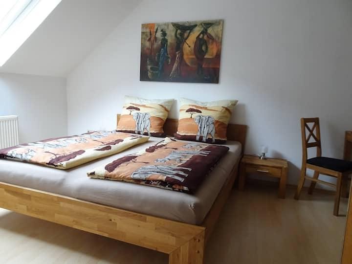 Apartment Schwär, (Endingen), Apartment 32 qm, 1 Schlafzimmer, Wohn-/Schlafzimmer mit Schlafcouch, max. 2 Erwachsene + 1 Kind