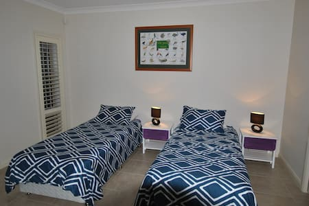 Luxury Studio between Manly & City - Frenchs Forest - House