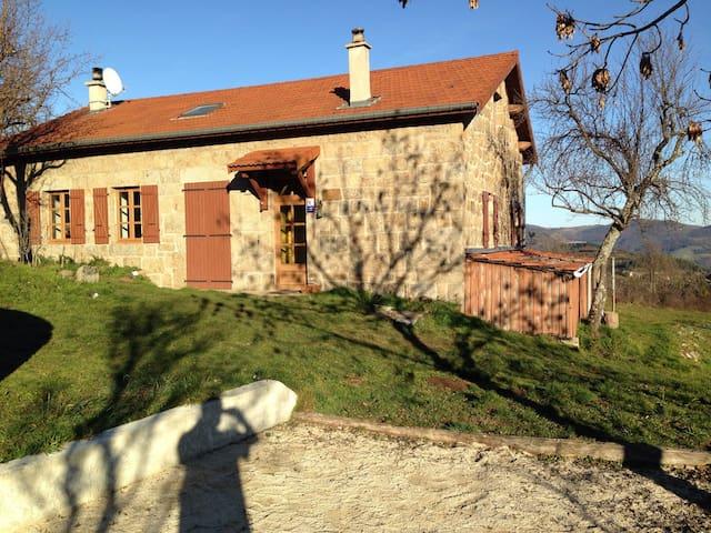 Maison de caractère en Ardèche - Saint-Agrève - Casa