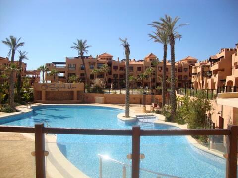 Apartamento en Almerimar primera linea de playa