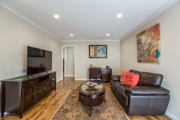 888 New Luxury Apt Saratoga, Cupertino, Sunnyvale
