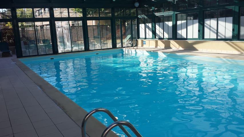 Studio avec piscine couverte près du vieux port - La Rochelle - Byt