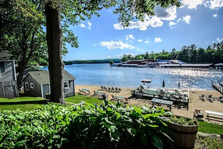 Classic Winnipesaukee Lake House