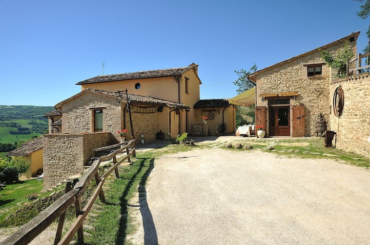COUNTRY HOUSE CA' VERNACCIA B&B  CA5