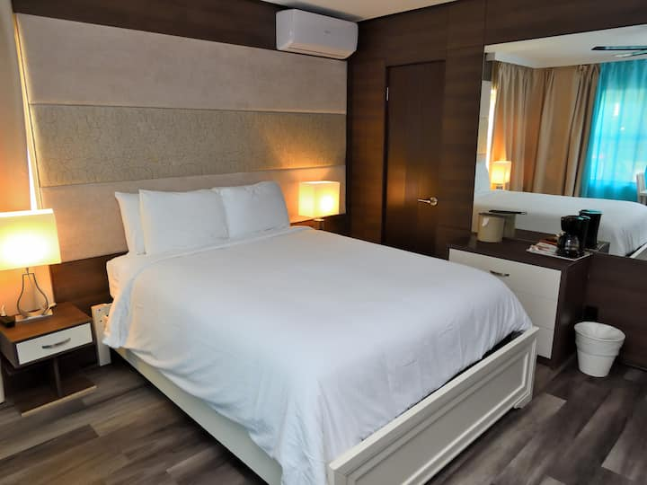 Deco Boutique Hotel, Executive, one Queen bed
