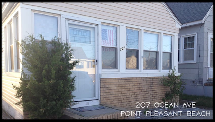 Clean & Comfy 3BR House - 1 Block to Boardwalk - Point Pleasant Beach - Casa