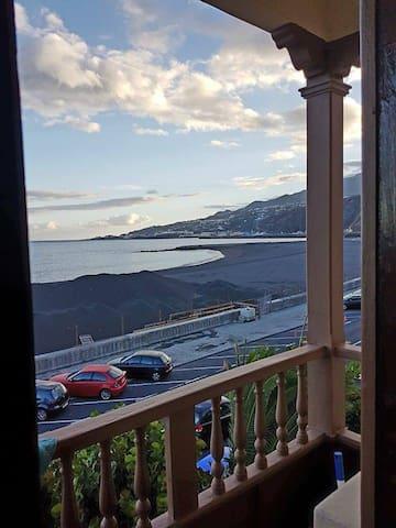 Apartamento con vistas al mar, terraza y solarium. - サンタ・クルス・デ・ラ・パルマ - アパート